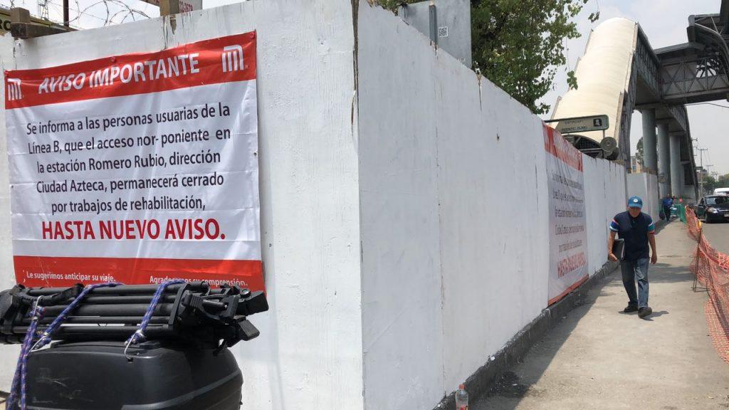 Clausuran entrada del Metro Romero Rubio por hundimiento
