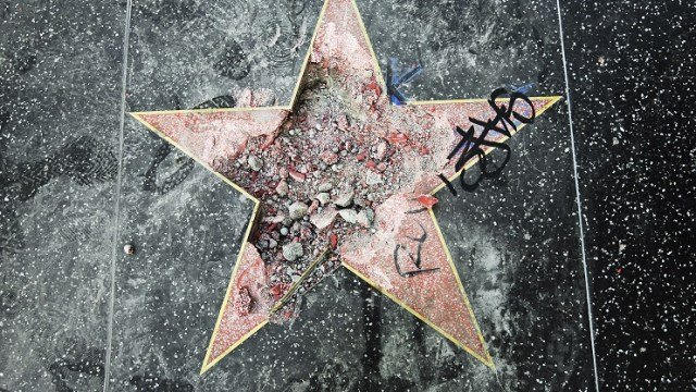 Destruir estrella de Trump en Hollywood fue un acto justo