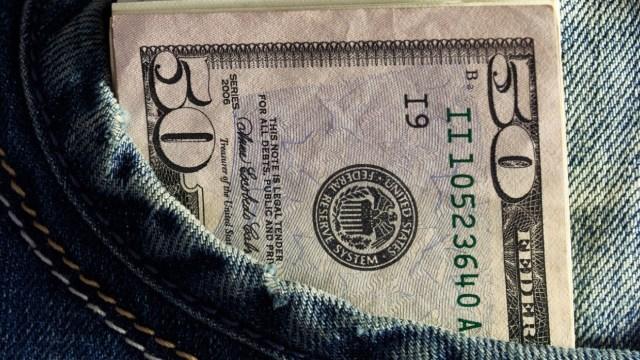 Dólar continúa en ascenso; se vende en 19.58 pesos en la CDMX