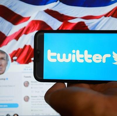 Trump desbloquea a algunos de sus detractores en Twitter