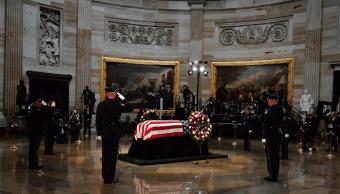 McCain recibe homenaje póstumo en el Capitolio de Washington