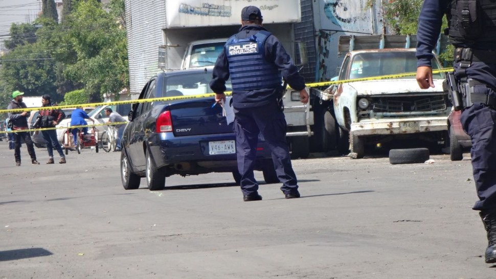Hallazgo de cadáver sorprende a comerciantes de colonia Anáhuac, CDMX