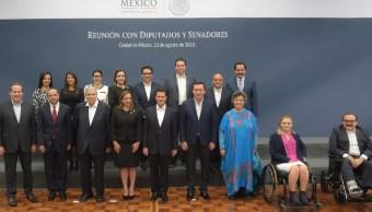 Peña Nieto se reúne con legisladores electos del PRI