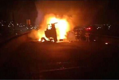 Cámara de seguridad capta explosión de pipa cargada con combustible en Toluca