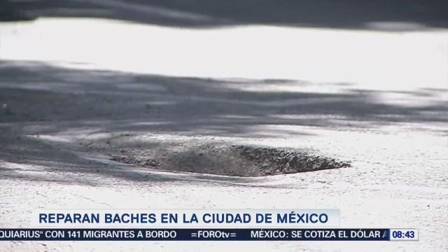 Reparan miles de baches en la Ciudad de México