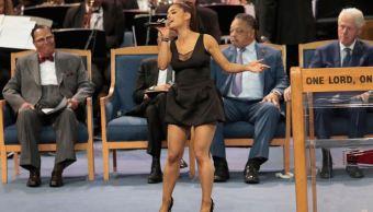Ariana Grande canta en funeral de Aretha Franklin