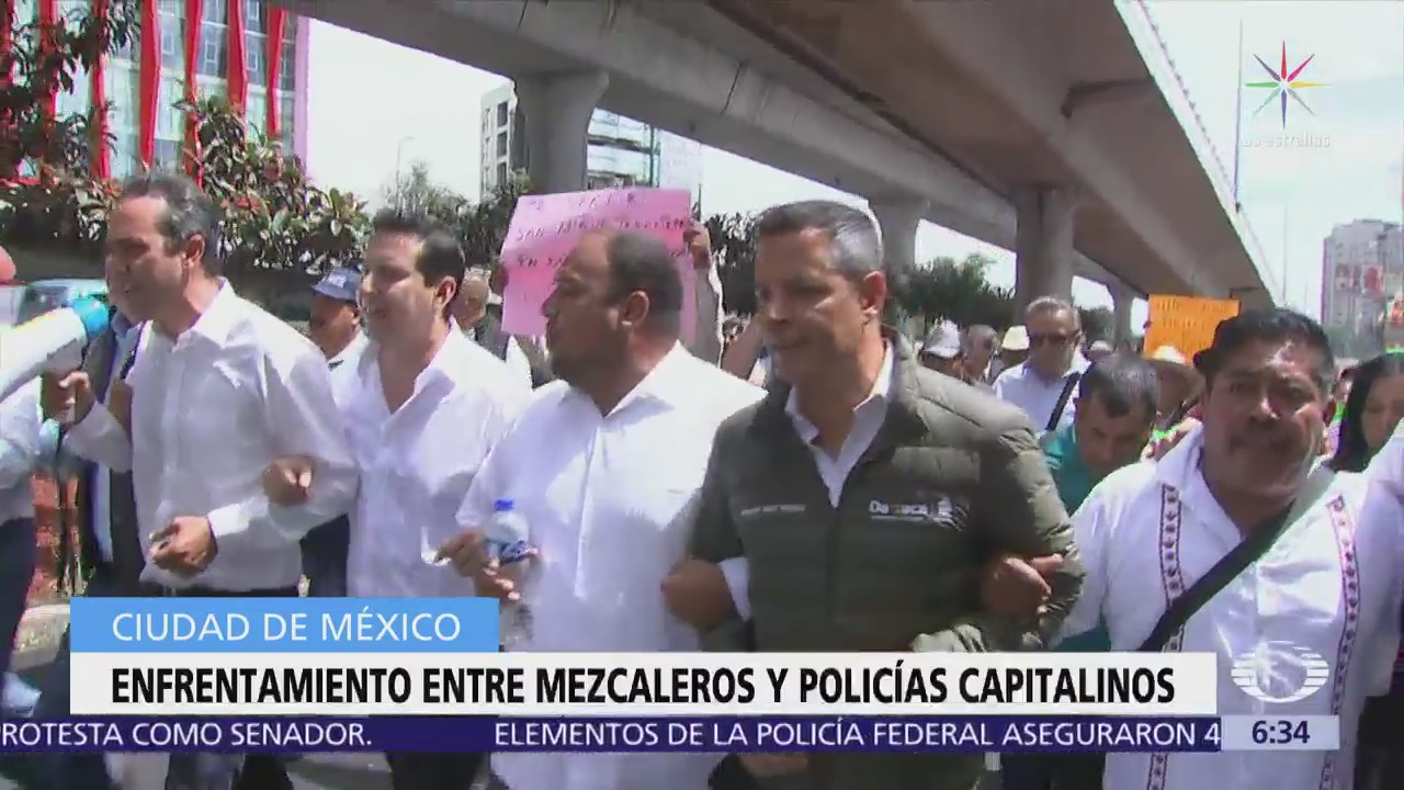 Gobernador de Oaxaca encabeza manifestación de productores de mezcal