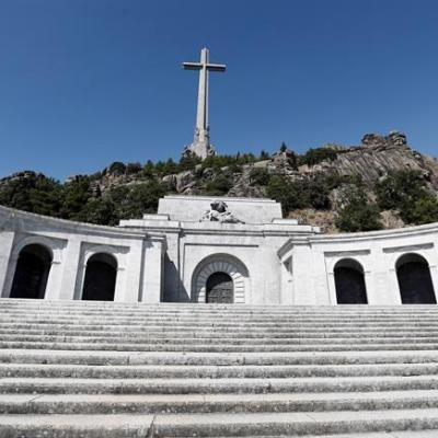 Aprueban exhumar los restos de Francisco Franco del Valle de los Caídos