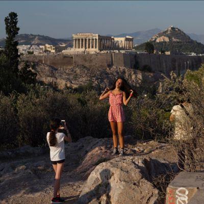Grecia sale de rescate económico, decretan 'Día de la Liberación'