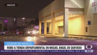 Hombres roban tienda departamental en Miguel Ángel de Quevedo