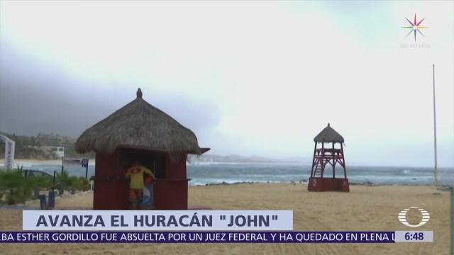 Huracán 'John' se acerca a la Península de Baja California