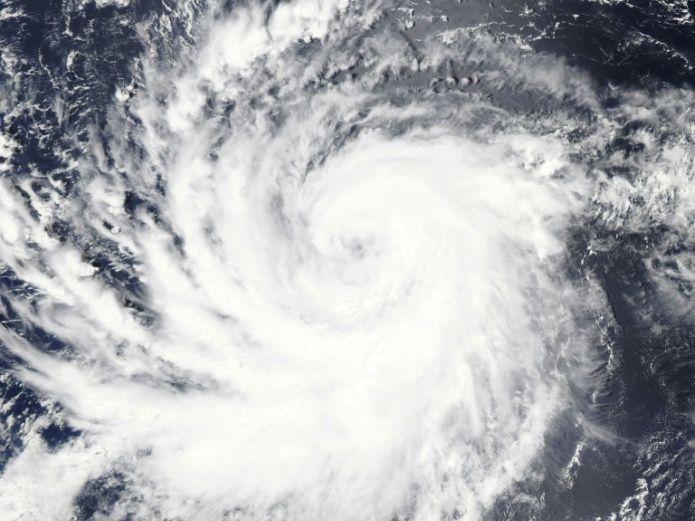 Huracán Lane alcanza categoría cuatro y podría tocar Hawai