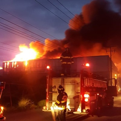 Sofocan incendio en zona industrial de Lerma