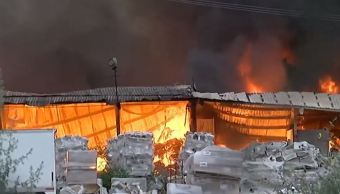 Incendio en fábrica de cerámica en Nuevo León