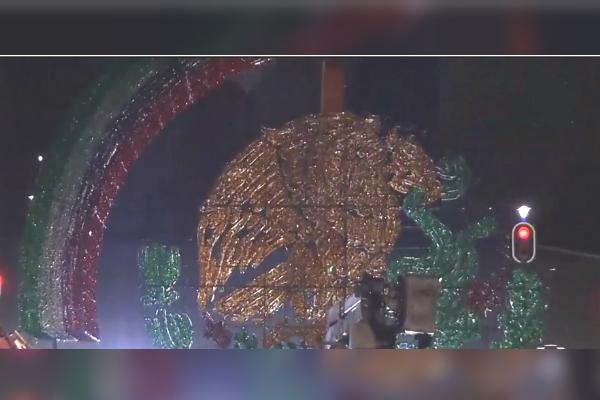 Independencia México es honrada con mega escudo tridimensional en Zócalo