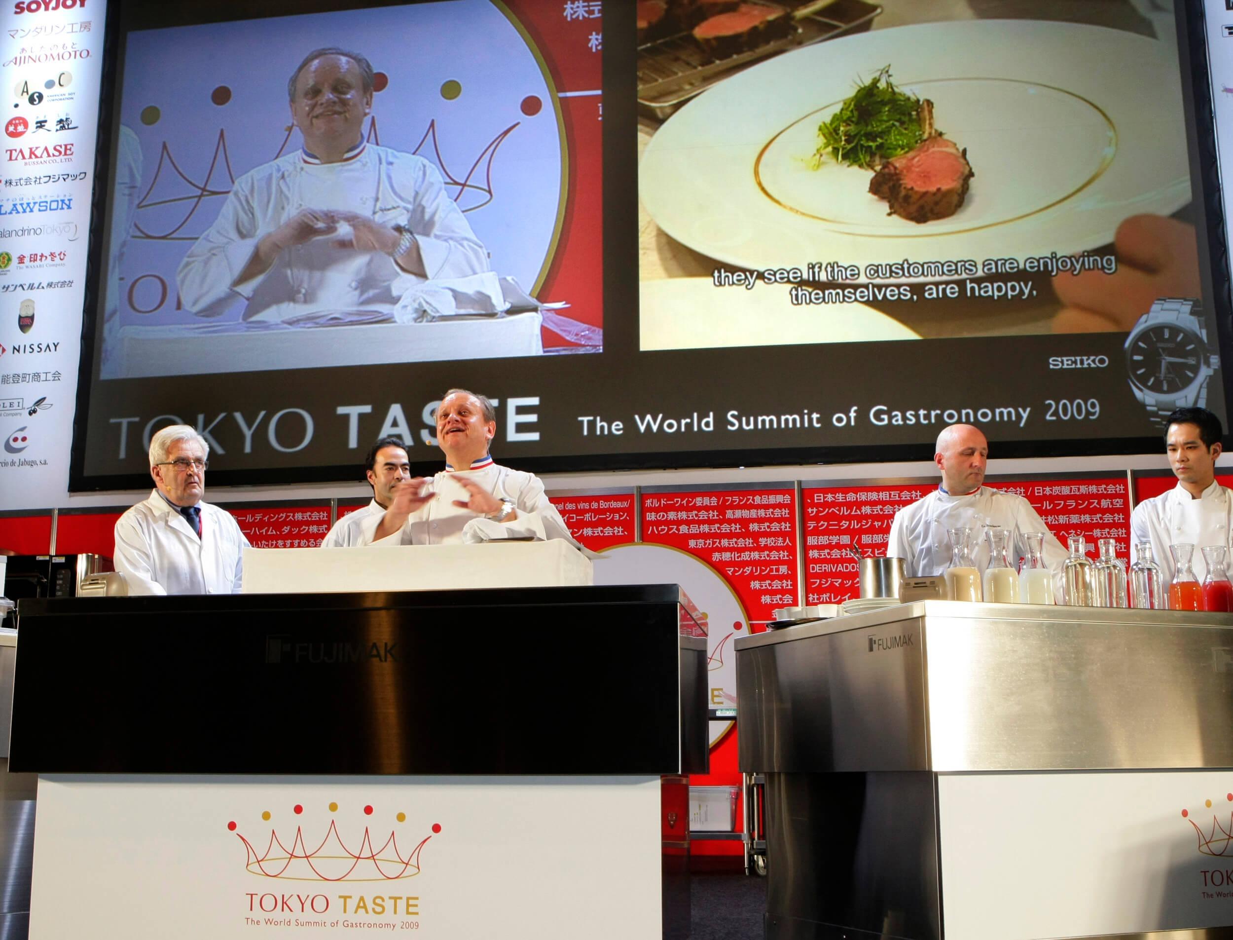 Muere el chef francés Robouchon, número uno en estrellas Michelín