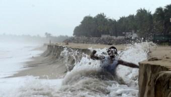 Tormenta tropical John ya es huracán en el Pacífico mexicano