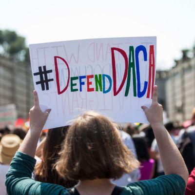 Juez de Estados Unidos rechaza petición para eliminar DACA inmediatamente