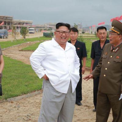 Kim Jong-un critica sanciones internacionales contra Corea del Norte