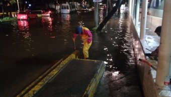 Lluvia intensa genera caos vial en el Valle de México