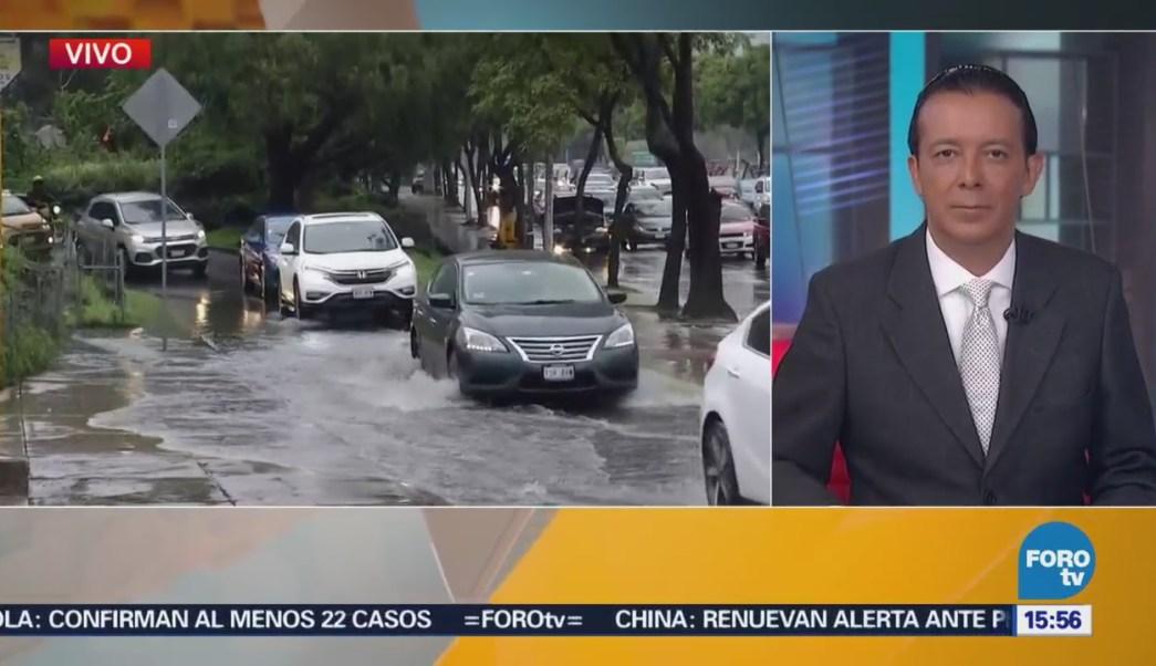 Lluvia complica vialidad Insurgentes y Periférico