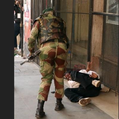 Soldados se enfrentan con opositores tras elecciones en Zimbabue