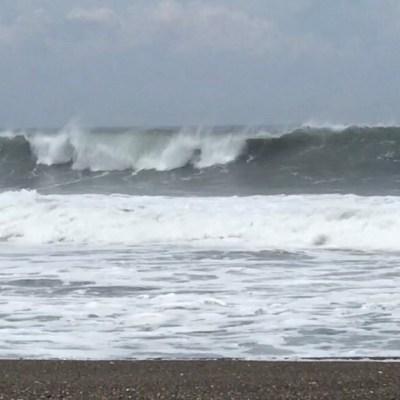 Emiten alerta preventiva por mar de fondo en costas de Colima