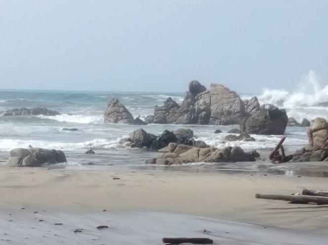 Clima Oaxaca: cierran puertos por mar de fondo