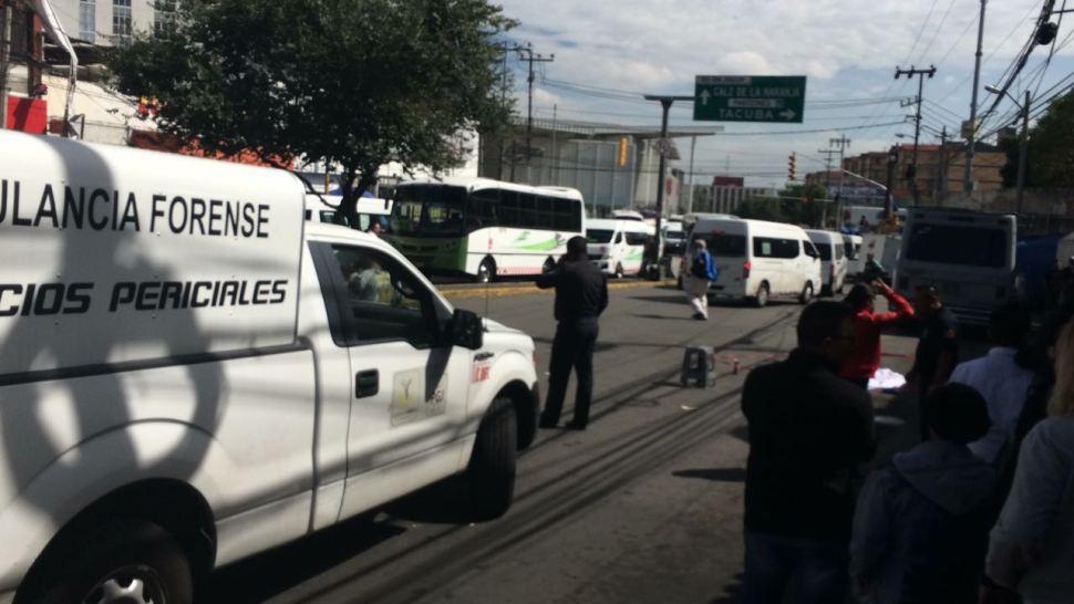 Mujer muere atropellada por microbús en la México-Tacuba