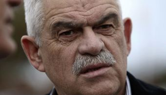 Renuncia ministro de Grecia por incendios forestales