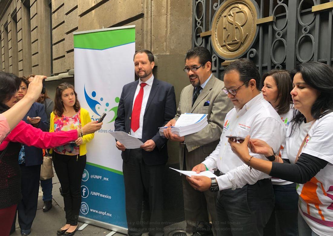Padres exigen que maestros no enseñen educación sexual en Yucatán