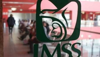 Pide pensión IMSS hijo discapacitado por negligencia médica