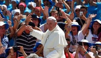 Papa exhorta a jóvenes a perseguir sus sueños