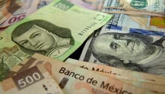 Peso mexicano pierde al cierre, dólar cotiza a 18.96
