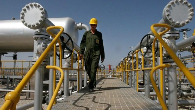 Petróleo Brent estabiliza precio por sanciones a Irán