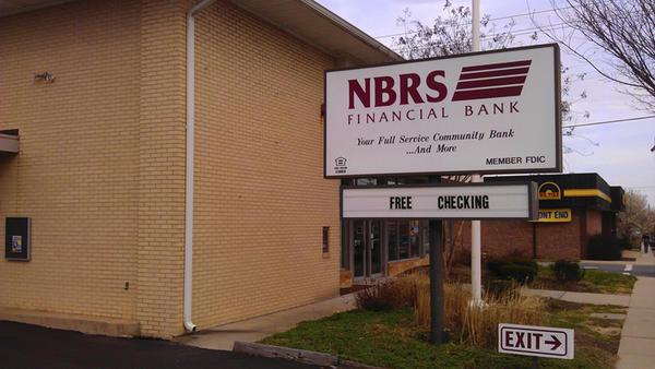 Reseva Federal de EU prohibe a expresidente de banco NBRS de Maryland participar en sector bancario