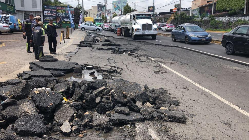 Reparan asfalto dañado por lluvias en la carretera Picacho-Ajusco