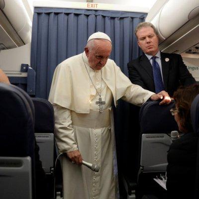 Papa Francisco evade hablar sobre carta donde piden su renuncia