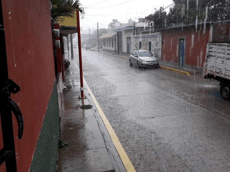 Tormenta tropical Ileana se localiza frente a Guerrero; provoca intensas lluvias