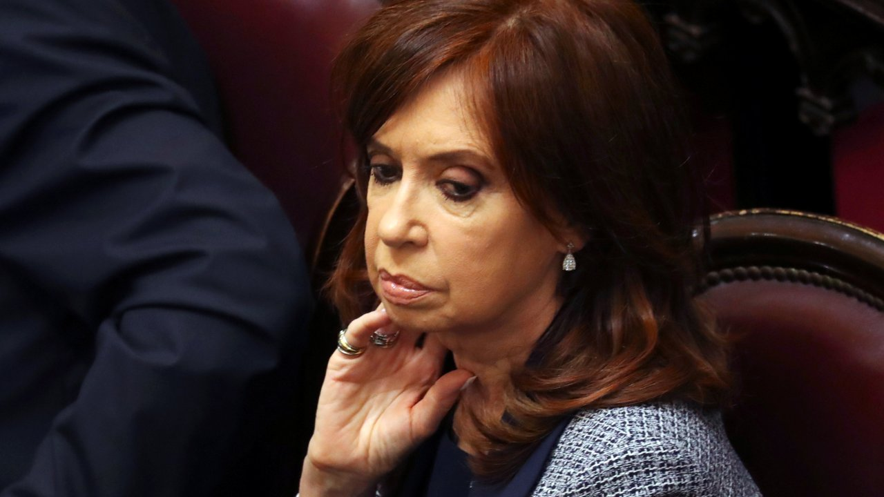 Senado argentino aprueba allanar residencias de Kirchner