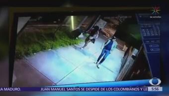 Sexoservidora asalta a transeúnte en calzada de Tlalpan, CDMX