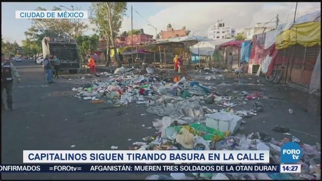Sigue la gente tirando basura a la calle en la CDMX