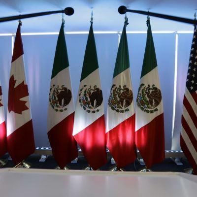 TLCAN: Peña Nieto habla con Trudeau y Trump