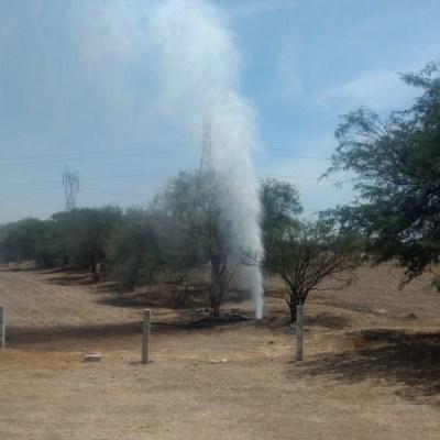 Controlan fuga de combustible por toma clandestina en Silao, Guanajuato