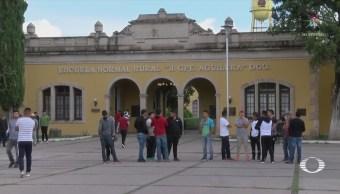 Toman escuela de Durango tras muerte de alumno en novatada