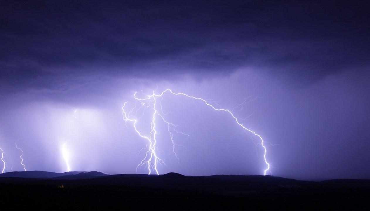 En 13 estados, tormentas muy fuertes con descargas eléctricas y granizo: SMN