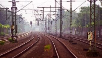 Racistas-Empujan-Vias-Tren-Joven-Latino-Racismo-Belgica