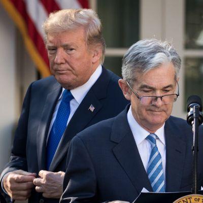 Trump critica a la Fed por alza en tasas de interés