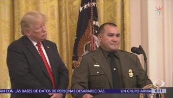 Trump, criticado por elogiar inglés de agente hispano de ICE