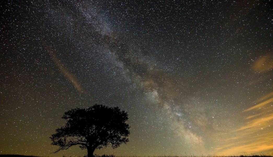 Vía Láctea Galaxia Estrellas Gas Andrómeda